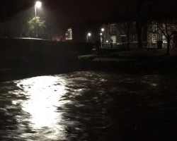 The River Kent in Kendal, Cumbria threatens to burst its banks, putting 100s of residential properties at risk of flooding.